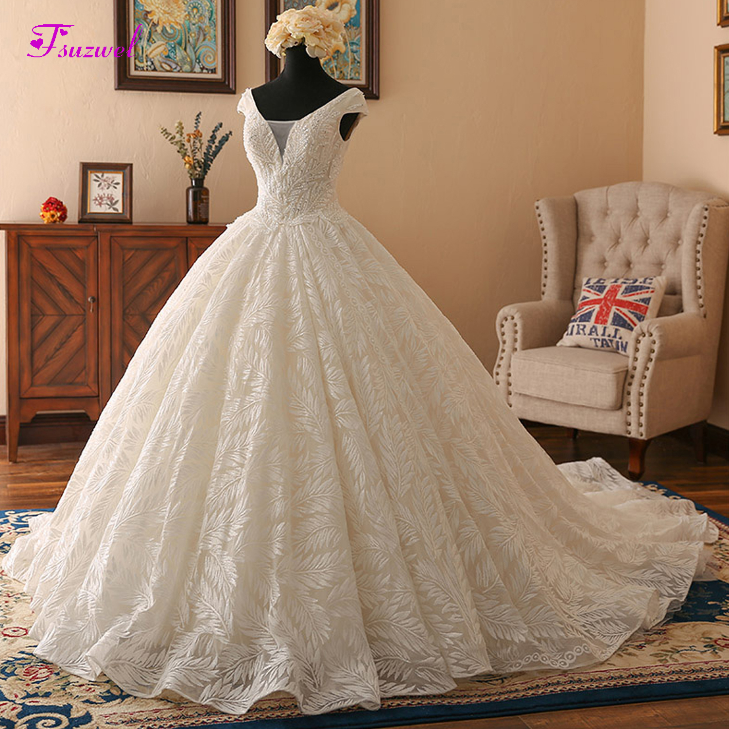 Fsuzwel Sweetheart Neck Sequined Beaded Ball Gown Wedding Dresses 2019 Glamorous Chapel Train Lace Wedding Gown