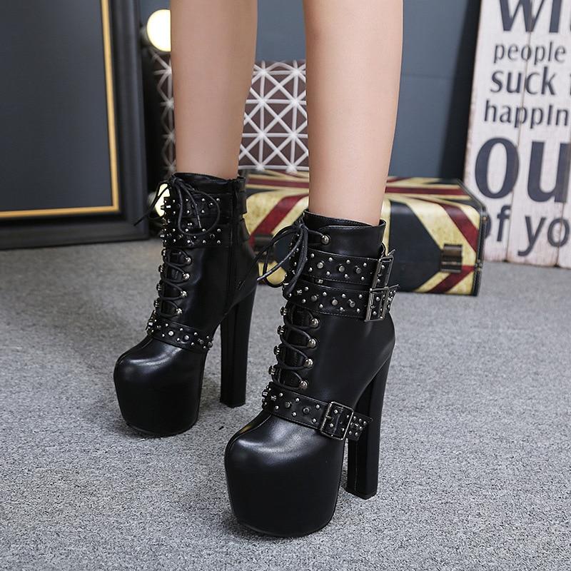 2018 mode punk européenne et américaine femmes bottes rivet super haut talon imperméable plate-forme latérale zipper bottes de moto