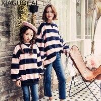 XiaGuoCai 2017 Familie Bijpassende Outfits Moeder En Dochter hoodies lange Dikkere streep Ronde hals familie kleding uitloper k234 27