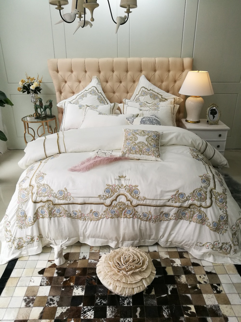 2018 Elegant embroidery Bedding Sets 4/7pcs white Bed Linens Duvet Cover Bed Sheet Pillowcases Cover Set2018 Elegant embroidery Bedding Sets 4/7pcs white Bed Linens Duvet Cover Bed Sheet Pillowcases Cover Set