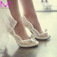 สีขาวลูกไม้P Eep Toeรองเท้าแต่งงานRhinestoneผู้หญิงที่หรูหรารองเท้าส้นสูงพรหมงานแต่งงานปั๊มเจ้าสาว...