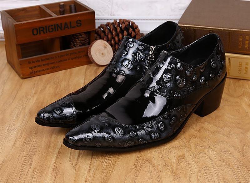 98dda275f Personalidade sapatos de venda quente da forma do crânio do punk rock  homens pontas do dedo do pé homens rendas até sapatos de salto alto sapatos  homem ...
