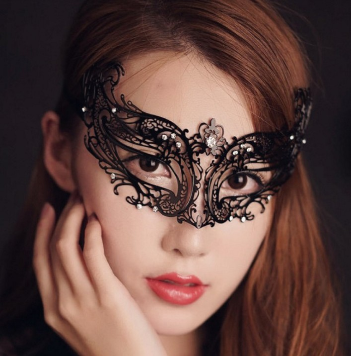 Sexy Metal High end Diamond Mask Men and Women 39 s Makeup Ball Props Half face Masks in Costume Accessories from Novelty amp Special Use