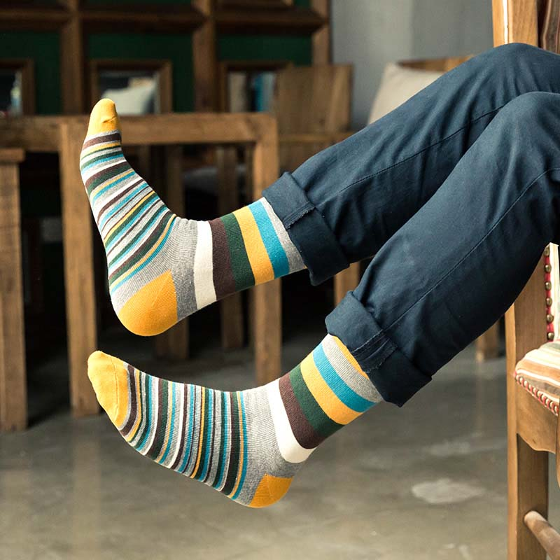 Fashion 1 Pair Comfortable Crew Socks Colorful Stripe Autumn Winter Cotton Warm Lengthen Men's Socks