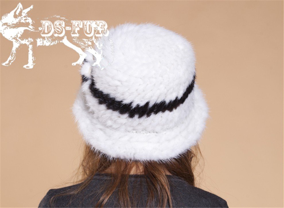 Mink knitted hats black and white stripes06