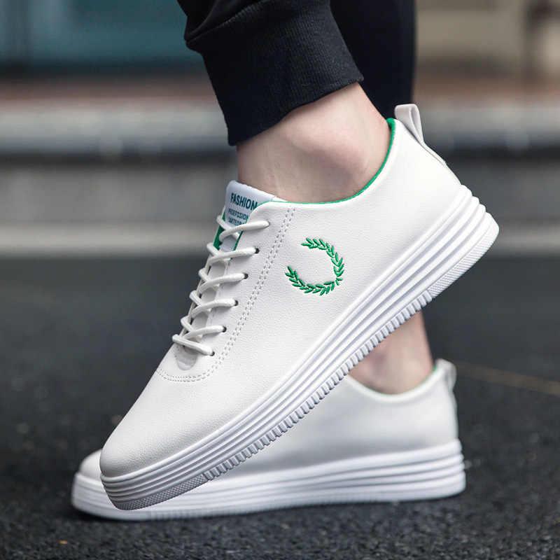 LAISUMK wiosna nowych mężczyzna buty w stylu casual odzież oddychająca odporne na buty wygodne lato białe okrągłe Toe zasznurować płaskie Snekaers