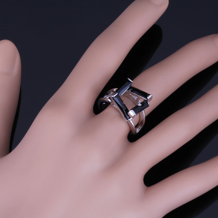 Absorbing Rectangle Black Cubic Zirconia 925 Sterling Silver Ring For Women V0614 in Rings from Jewelry Accessories