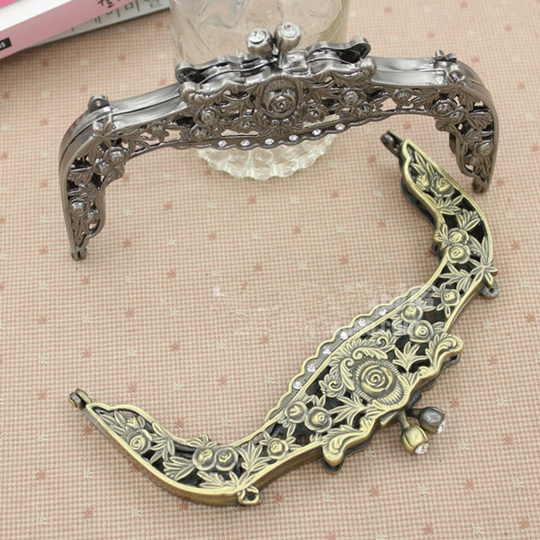Wholesale Size 16 5 10 cm with Vintage carved rose Antique Brass color of purse frame