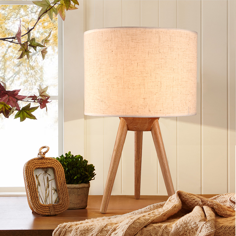 Moderne Kurze Kreatives Design Holz Tischlampe Fur Schlafzimmer Und Wohnzimmer Schreibtisch Dekor Lampe Stoff Lampenschirm E27 Licht In