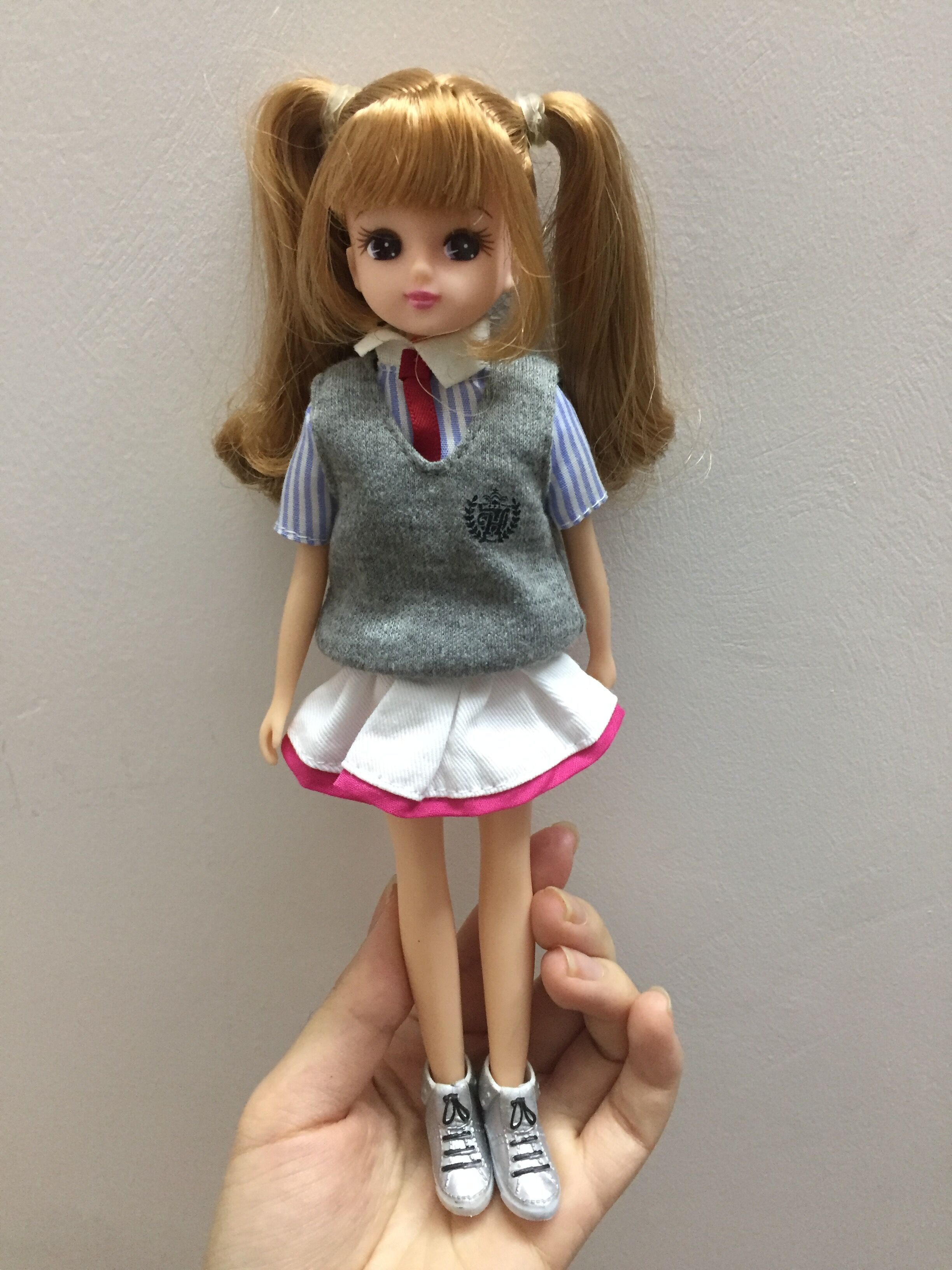 plastic licca body+head+Uniforms clothes+shoes normal skin suit for licca 1/6 doll lovely Girls Fashion Accessories