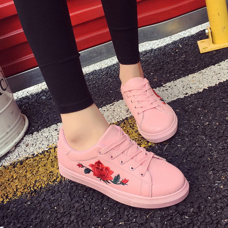HTB1Bw3 QFXXXXXTXpXXq6xXFXXXR - Flat Shoes Woman 2017 Spring Rose Embroidery Creepers PTC 25