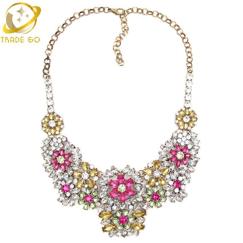 cf6988838f52 Romantic Glam moda collar de Cristal Arco Iris exagerado flor collares y  colgantes 2 colores elección declaración collar mujeres