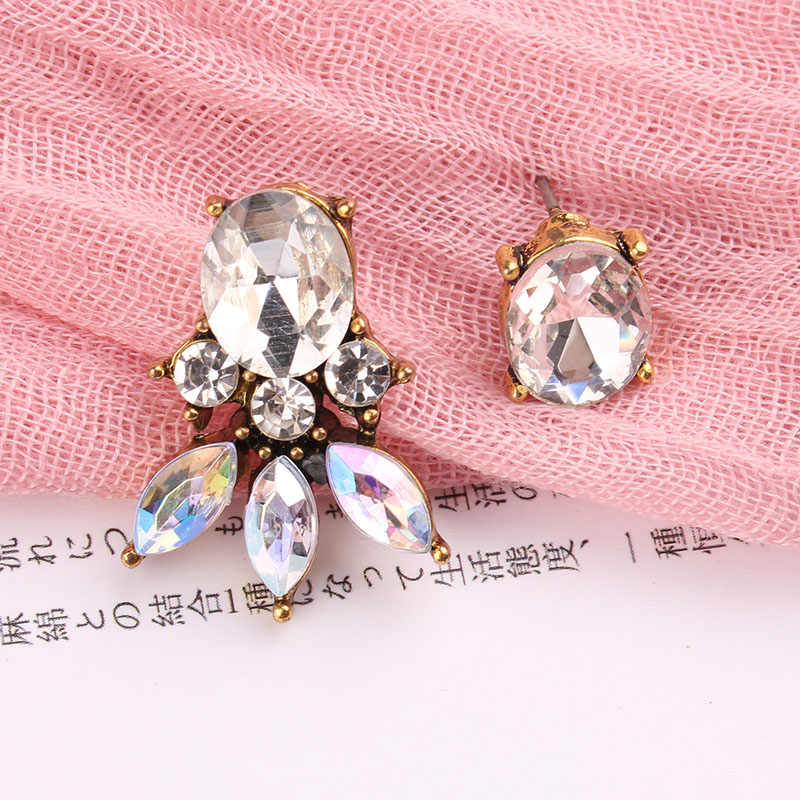 2018 marka yeni asimetri kristal küpe Vintage Punk tarzı moda taşlar küpe kadınlar hediye için hızlı kargo 3 renkler
