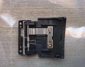 Image 1 - חדש SD זיכרון כרטיס כיסוי עבור ניקון D90 דיגיטלי מצלמה תיקון חלק עם מתכת & אביב