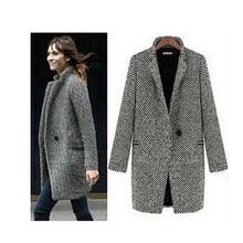 Elegantní šedivý vlněný kabát větších rozměrů