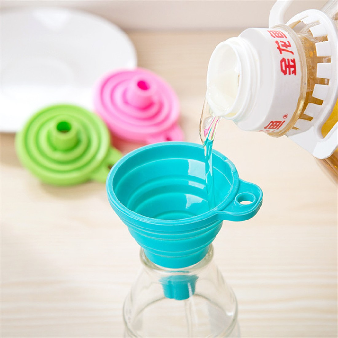 Protable Mini <font><b>Silicone</b></font> Gel Funnel Hopper Foldable Funnel <font><b>Kitchen</b></font> Cooking <font><b>Tools</b></font> Accessories Gadgets Funnel image