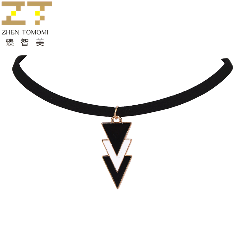 2019 Fashion Collares Collier Three Layers Of Black White Triangles Pendants Velvet Leather Chokers Necklaces For Women Jewelry