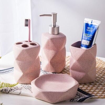 Sandpoint céramique salle de bains fournitures quatre pcs ensemble kit de lavage inhabituellement en forme de tasse + lotion bouteille + porte-brosse + porte-savon rose