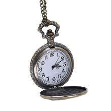 Retro Locomotive Embossed Alloy Quartz Pocket Watches Men Classic Hanging Watches Ladies Sweater Chain Pocket Watches GiftsHP36