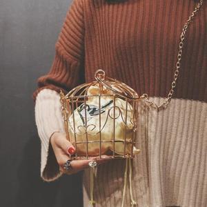 Image 3 - נשים של כלוב ציפורים ערב תיק מצמד מתכת מסגרת רקמת דלי ציפור כלוב מיני תיק ארנק נשים זהב טאסל תיק