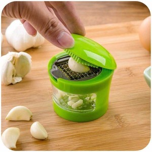 Garlic Grater Portable ABS Stainless Steel Garlic Press Chopper Slicer Hand Presser Grinder Crusher Kitchen Accessories Tool