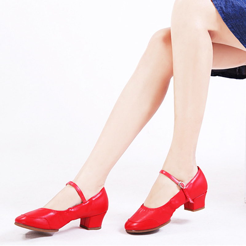 2018 New Square Dance Shoes Ladies Red Soft Bottom Modern Latin Dancing Shoes Female Breathable Sport Sneakers Dance Shoes 34-42