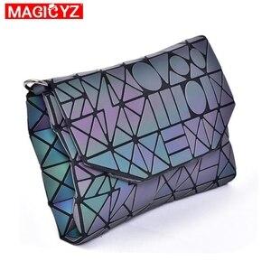 Image 4 - 여성을위한 MAGICYZ Crossbody 가방 2020 패션 레이저 기하학적 빛나는 여성 핸드백 지갑 클러치 디자이너 브랜드 어깨 가방