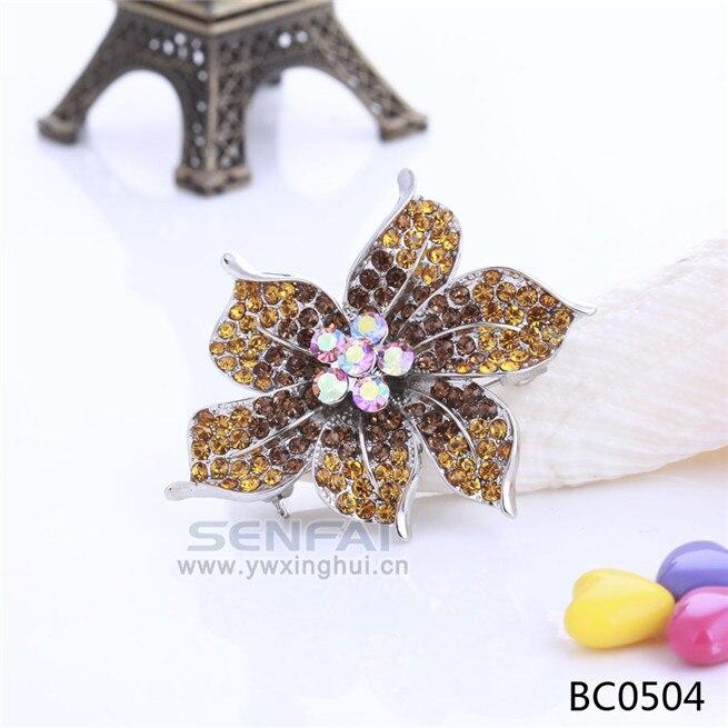 ⊱En venta floral Lily broche oro tono cristal Broches Pasadores ... 953e70db507