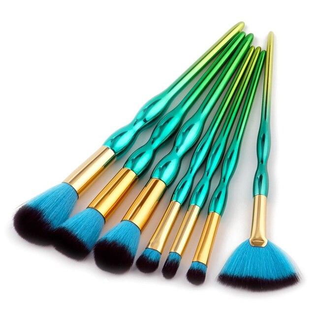7Pc/Set Multifunctional Green Gourd Pro Cosmetic Face Powder Eyebrow Blush Contour Concealer Make up Brushes Tools Kits Makeup Brushes