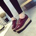 2016 Primavera Do Vintage Sapatos Oxfords Para As Mulheres Oxfords Sapatos de Plataforma Rendas Até Trepadeiras das Mulheres Apartamentos Senhoras Sapatos Casuais Mocassins