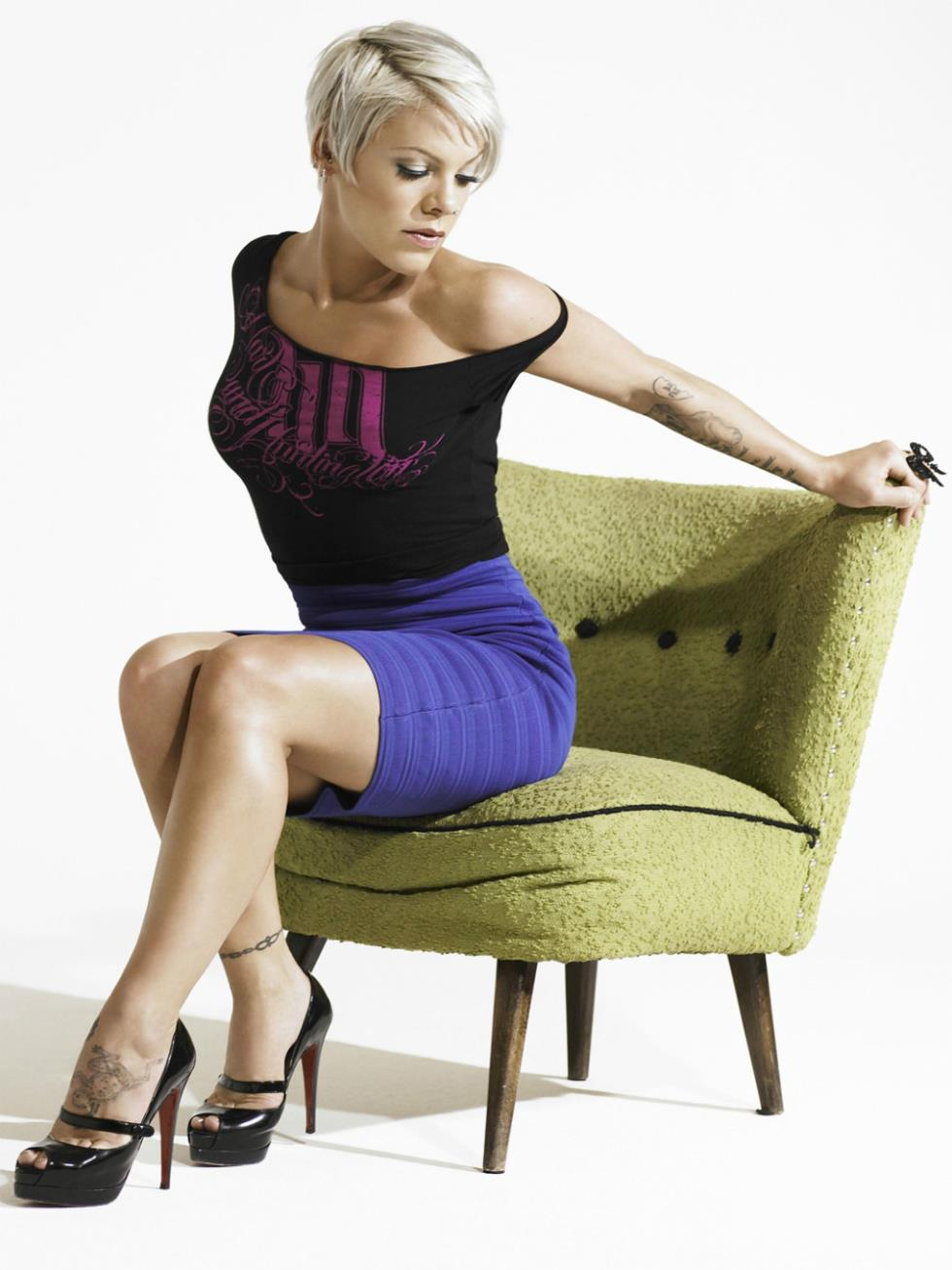 Ms. Alicia Pink Moore XoXo | Pink singer, Pink
