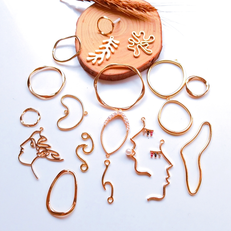 DIY Jewelry Accessories Alloy Golden Profiled Round Face Ear Needles And Wheat Spikes Handmade Hair Jewelry Pendant 6 Pieces