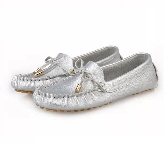 2017 Casual Soft Bowtie Loafers Sweet white Silver Colors Summer Style Shoes Woman Flats Moccasins Lady Driving Shoes Plus Size