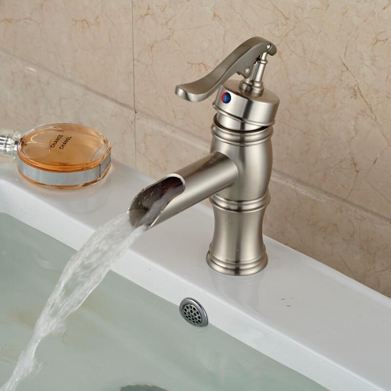 Robinet mitigeur moderne à poignée unique pour salle de bains, robinet mitigeur d'eau froide chaude, robinets de lavabo montés sur le pont de la salle de bains - 3