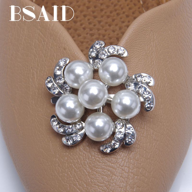 BSAID 1 Pair Women Shoe Decorations Crystal Faux Pearl Flower Shoe Clips Rhinestone Floral Buckle Charming Shoe Accessories New sweet rhinestone and faux pearl embellished floral double layered bracelet for women