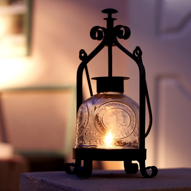 Clical Wrought Iron Metal Table Mousse Vintage Portable Lantern Tealight Hurricane Candle Holder Home Decoration 660a
