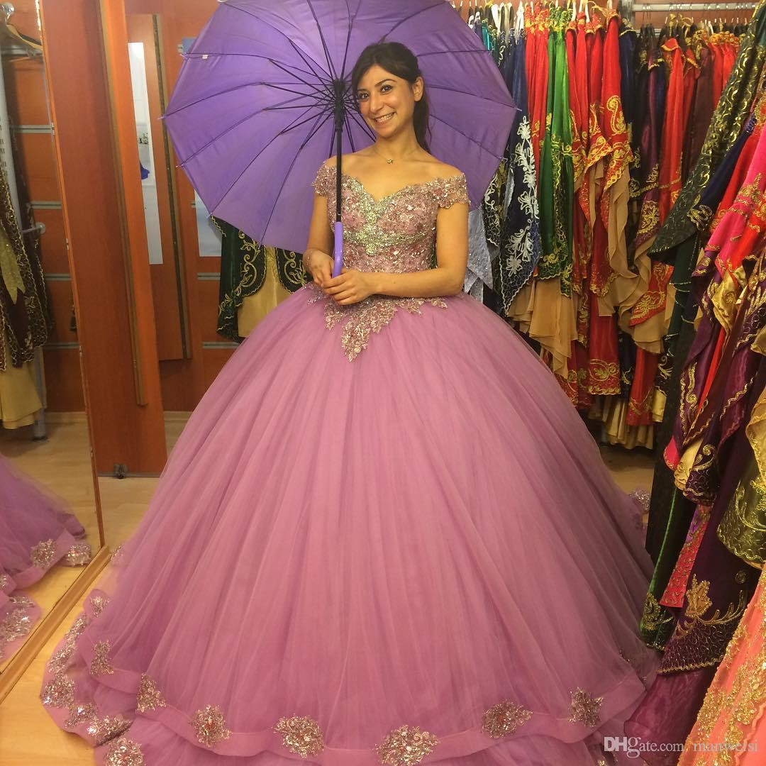 Gorgeous Pink Quinceanera Dresses 2016 Ball Gown Beaded Ruffled Organza  Sweet 16 Dress Party Gown Vestidos 15 anos QR56-in Quinceanera Dresses from  Weddings ... 7d70d6b582ff