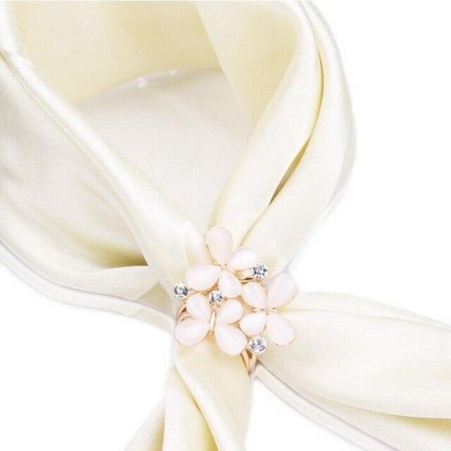 1 pz Moda Coreana Semplice delle Donne Del Fiore di Farfalla di Strass Sciarpe C