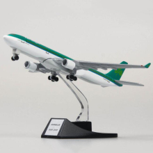 collectible 13cm airplane model toys Ireland airlines airbus 330 aircraft diecast plastic alloy plane gifts for kids