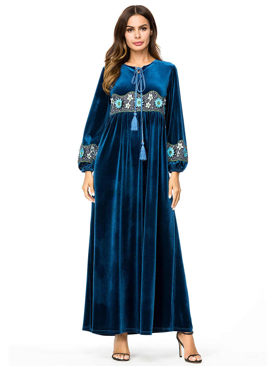 6aee0abb40 Muslim women long sleeves velvet embroidery Dubai Dress maxi abaya jalabiya  islamic women clothing robe kaftan Moroccan 7300