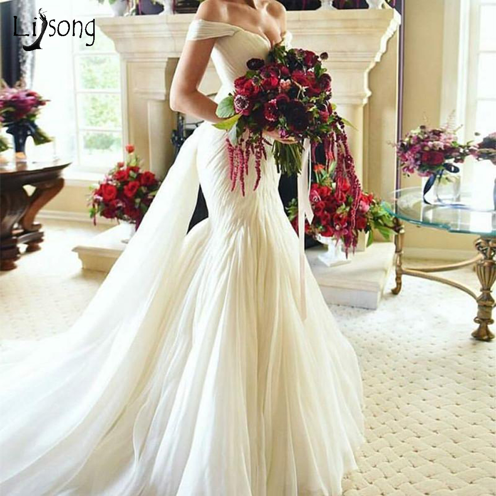 Vintage 2019 Pleated Mermaid Wedding Dresses 2019 Lace Up Custom Made Elegant Bridal Gowns Royal Train Plus Size Wedding Gown