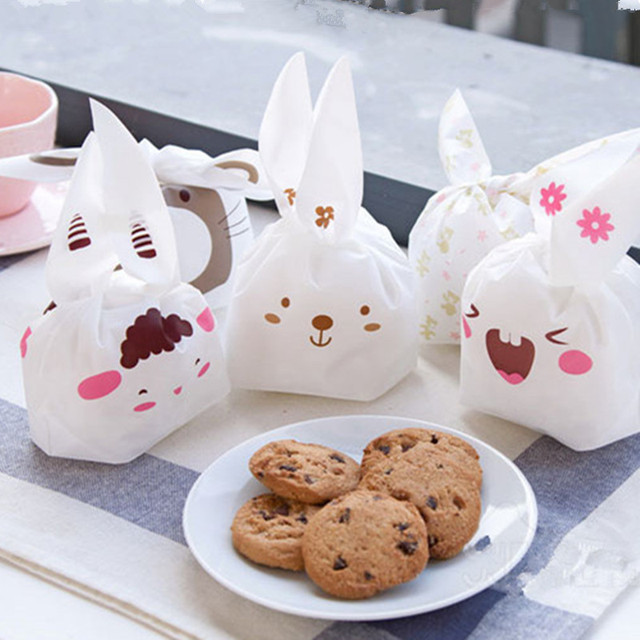 20pcs/lot Cookie Packaging Lovely Sheep Cute Bear Animal Series Plastic Handle Bags for Biscuits Snack Baking Package