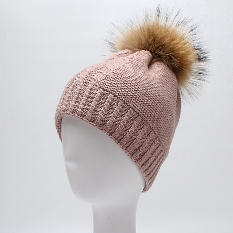 ROSELUOSI Women Winter Hat 2017 Autumn New Thick Warm Wool Knitted Beanies Hats With Real Raccoon Fur Female Gorras hat winter thick stickers letter knitted hat wool hat korean embroidery warm hats tide men and women