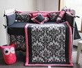 15 unidades del Pesebre Infantil Sala de Niños Juego de Dormitorio de Bebé Vivero bedding floral negro rosa cuna bedding set para el bebé recién nacido niñas