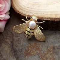 White freshwater Pearl Cz Pave Bee Brooch>>>>Dongguan girl Store free shipping