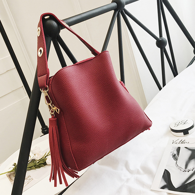 2019 Fashion Scrub Women Bucket Bag Vintage Tassel Messenger Bag High Quality Retro Shoulder Bag Simple Crossbody Bag Tote 2