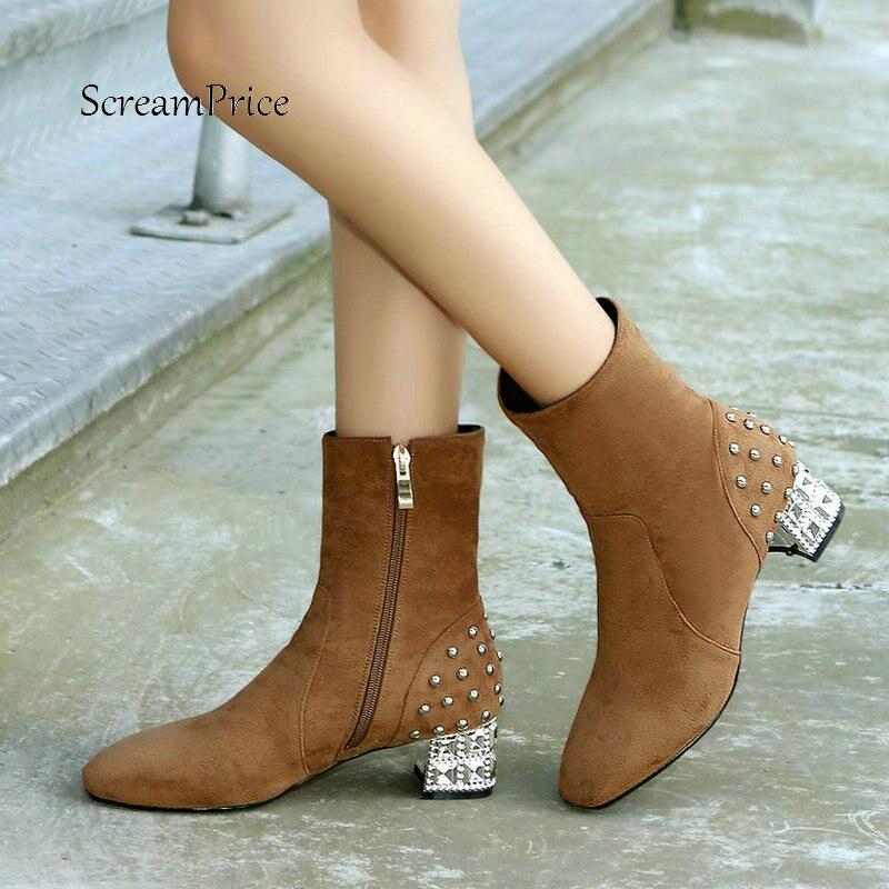 a5d6cf6cd Mulheres Faux Camurça Confortável Praça Heel Side Zipper Ankle Boots Moda  Rebite Sapatos de Inverno Marrom