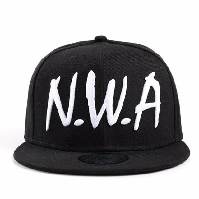 672266902e5ab VORON 2017 nouveau Compton Hip-Hop Rappeur Snapback sport Casquette de  baseball Vintage Noir RNF