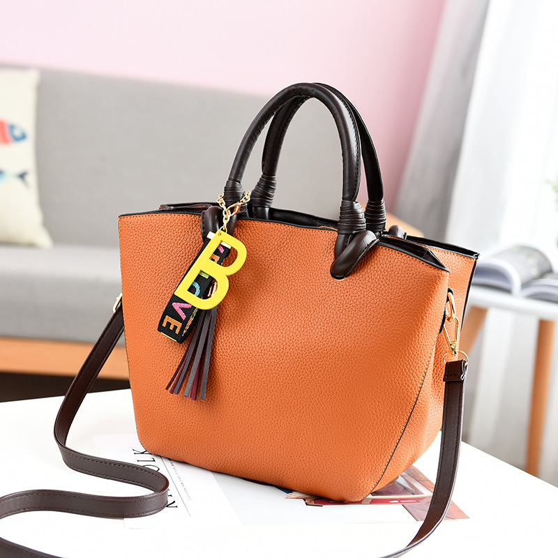 купить 2018 New Casual Handbags Summer Women Bag Fashion PU Leather Shoulder Bag Tassel Tote Crossbody Hand Bags Ladies Bolsas Sac недорого