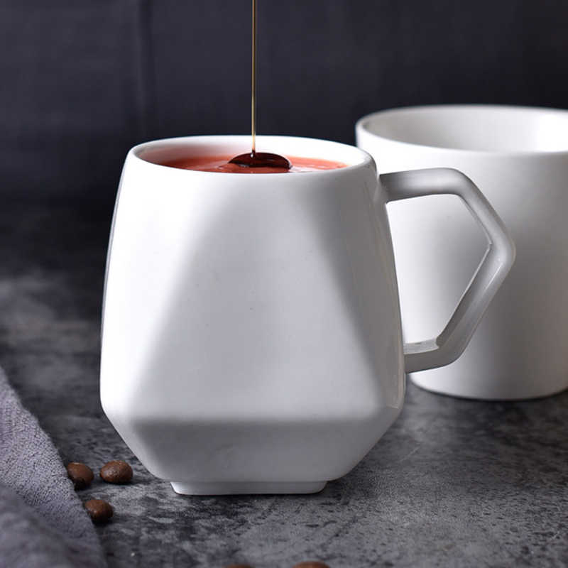250ML Creative Coffee Mug White Ceramic Mug Milk Latte Coffee Cup Tea Mug Cute Irregular Shape Porcelain Mug for Coffee Tea Milk